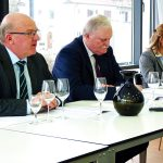 Foto der Neujahrs-Pressekonferenz des Badischen Weinbauverbandes mit Weinbaupräsident, Geschäftsführer und Weinhoheit