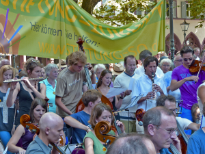 Demo, Demonstration, Rathausplatz, Freiburg, SWR, Sinfonieorchester