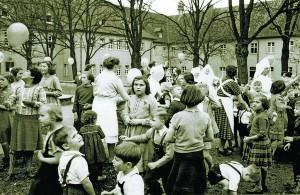 Sommerfest im Waisenhaus (50er Jahre)