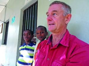 Hendrijk Guzzoni im Waisenhau in Hawassa, Äthiopien, 2015
