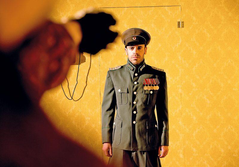 """Schauspieler Jochen Kruß in """"1914"""" im Freiburger Theater der immoralisten. © Manuel Kreitmeier"""