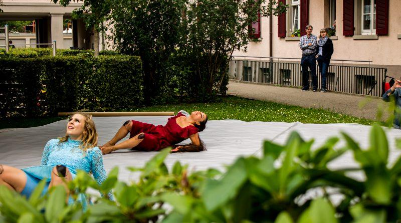"""Das Freiburger Kollektiv Quizzical Körper zeigt die Performance """"Serenus"""""""
