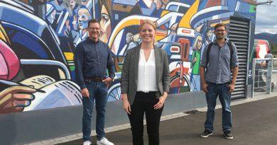 Graffiti-Künstler Tom Brane enthüllt 320 Meter Kunstwerk in Freiburg