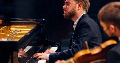 """Der internationale Klavierwettbewerb """"Concours Géza Anda"""": Anton Gerzenberg gewinnt den 1. Preis"""