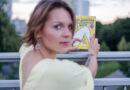 """Im Gespräch: Oliwia Hälterlein, Autorin von """"Das Jungfernhäutchen gibt es nicht: Ein breitbeiniges Heft"""""""